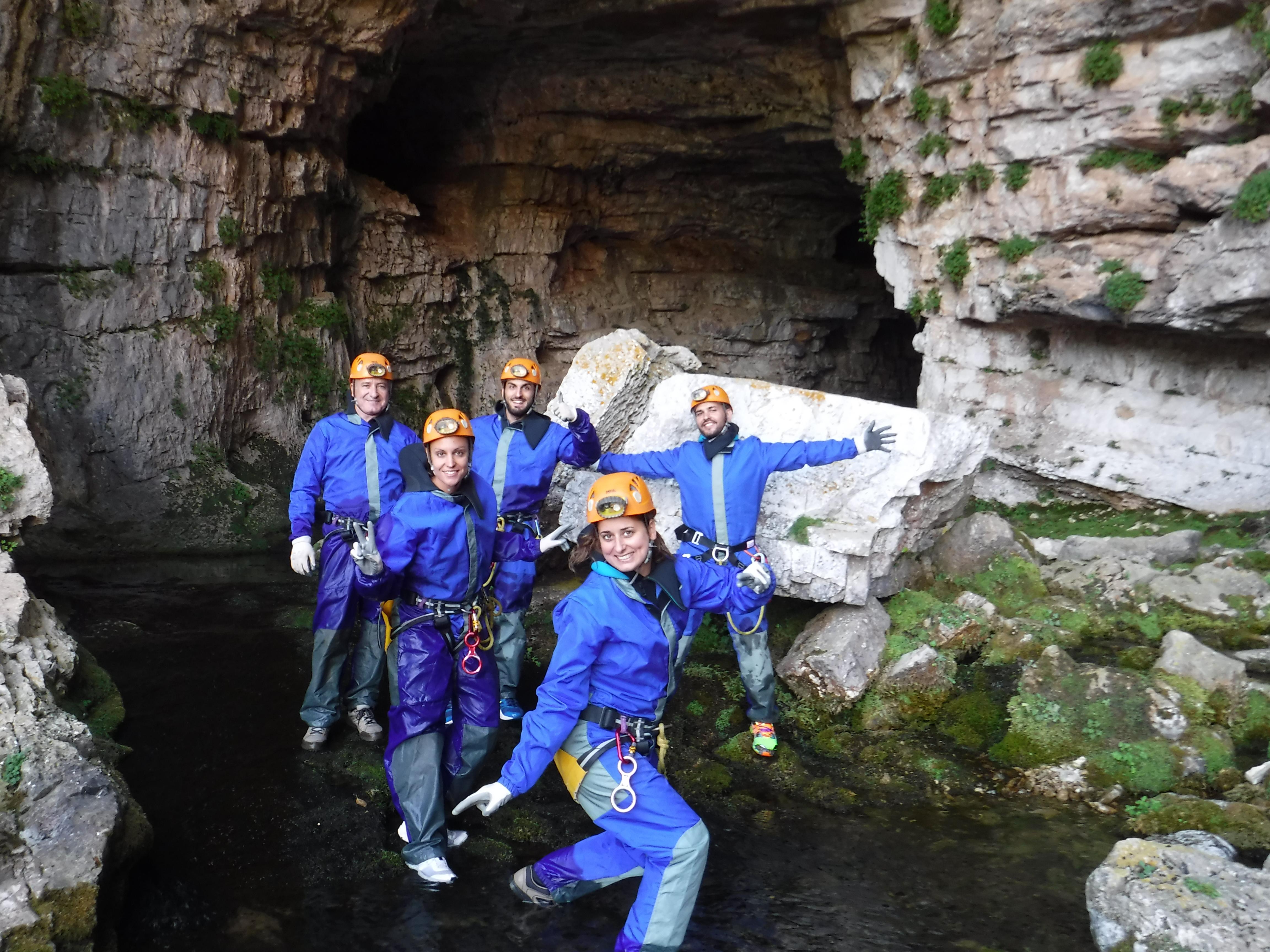 Cueva de los chorros monda